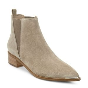 NWOT Marc Fisher Yale taupe bootie size 9.5